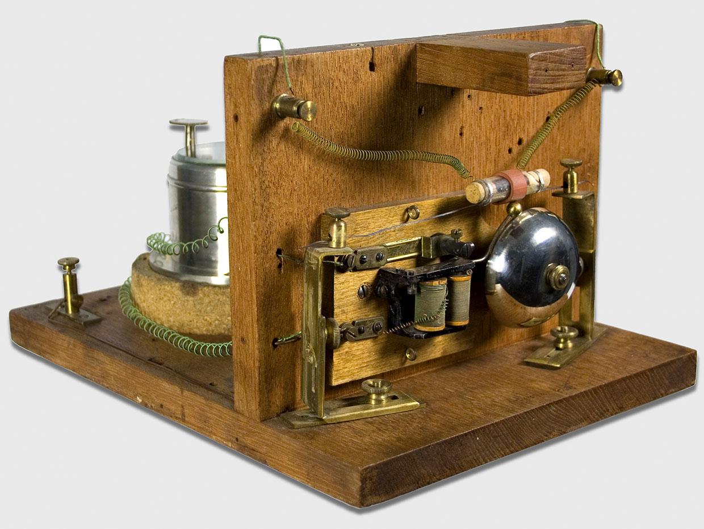 7 мая – День радио. Кто первым изобрел это чудо — фото 1