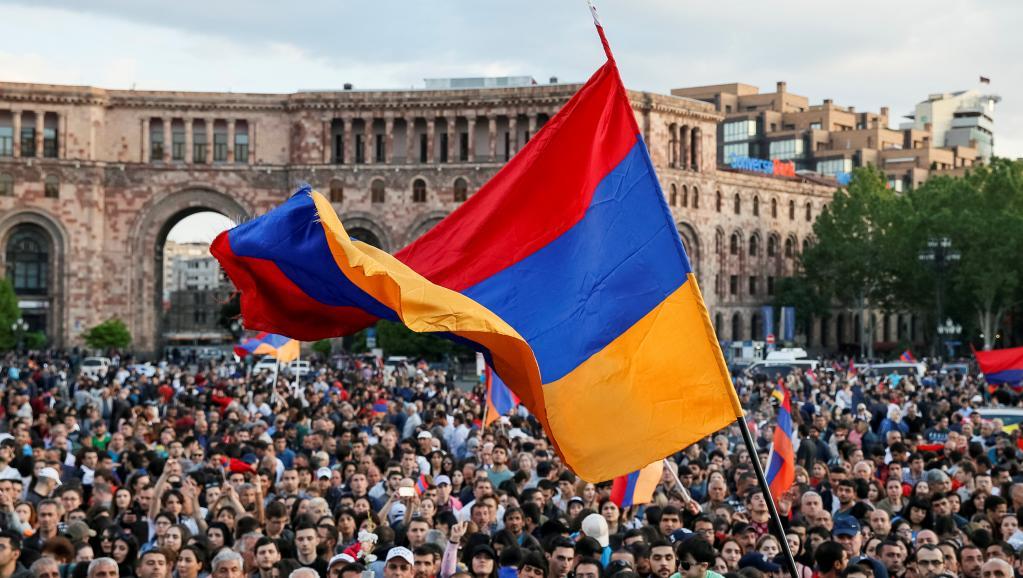 В Армении распустили парламент и назначили выборы для выхода из кризиса — фото 1