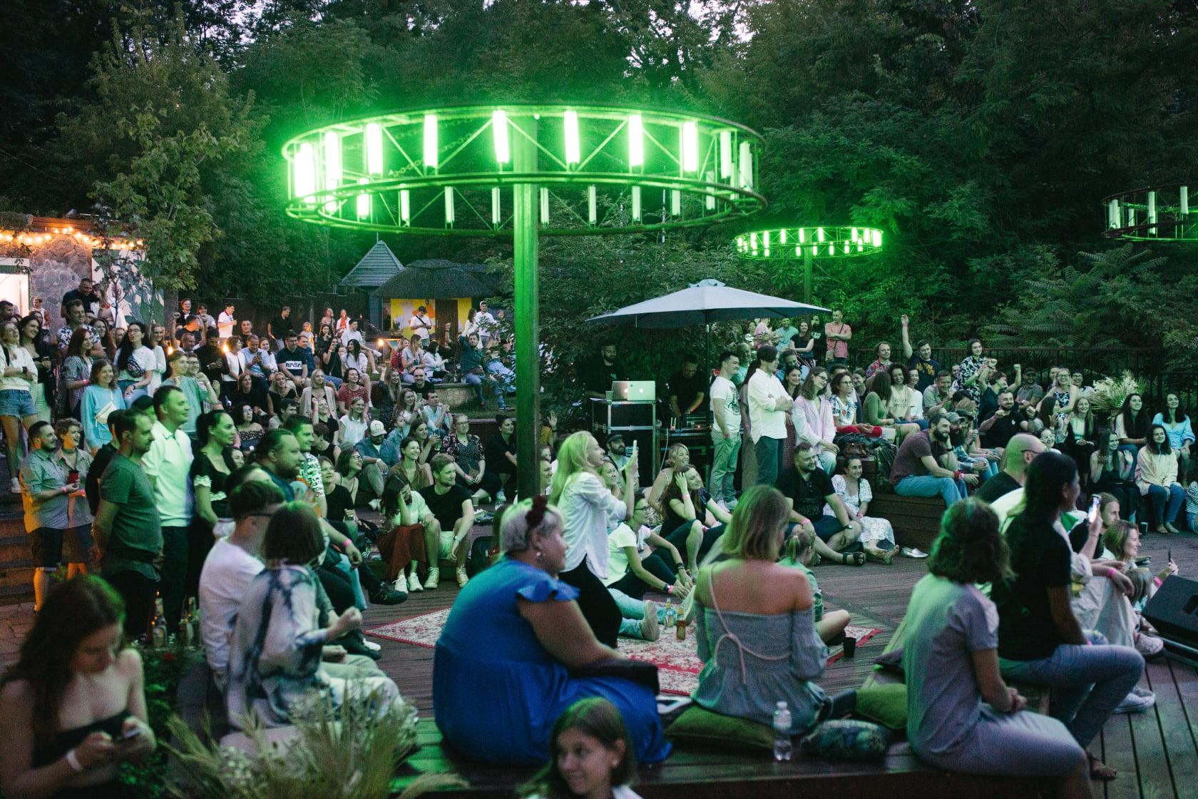Известно, кто выступит на этой неделе в KURENI. Завершается сезон вечеринок под открытым небом  — фото 3