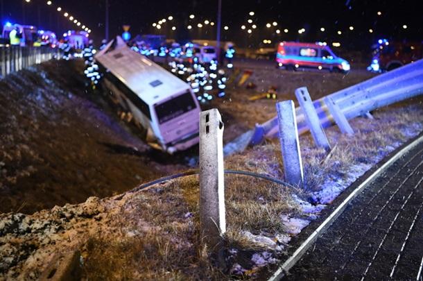 Жуткое дежавю: в Польше на одном участке трассы снова разбился автобус с украинцами — фото 2