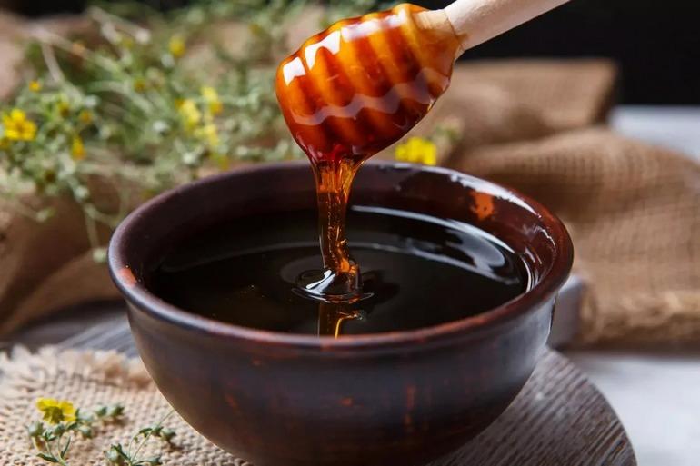 Есть или не есть: польза и вред мёда для организма человека — фото 1