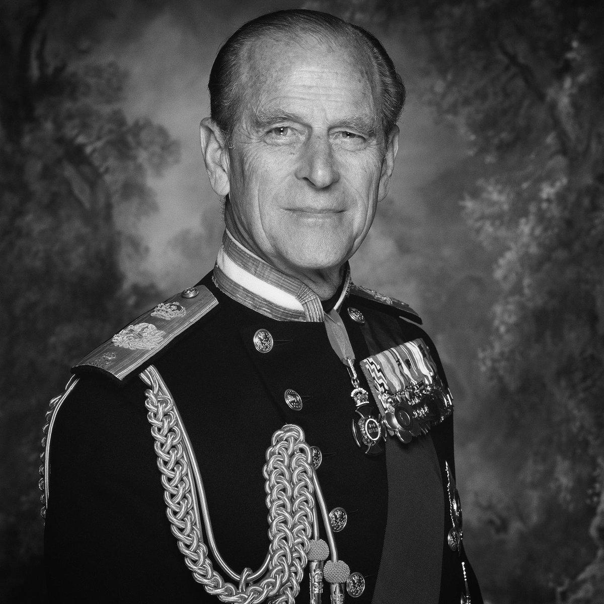 Муж британской королевы Елизаветы II, принц Филипп, умер на 100-м году жизни — фото 1