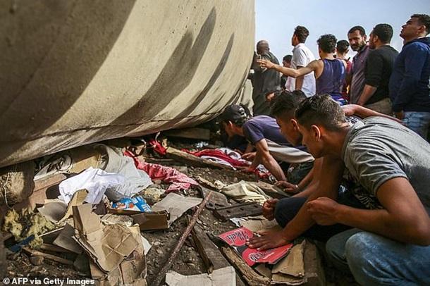 В Египте перевернулся пассажирский поезд: есть жертвы — фото 2