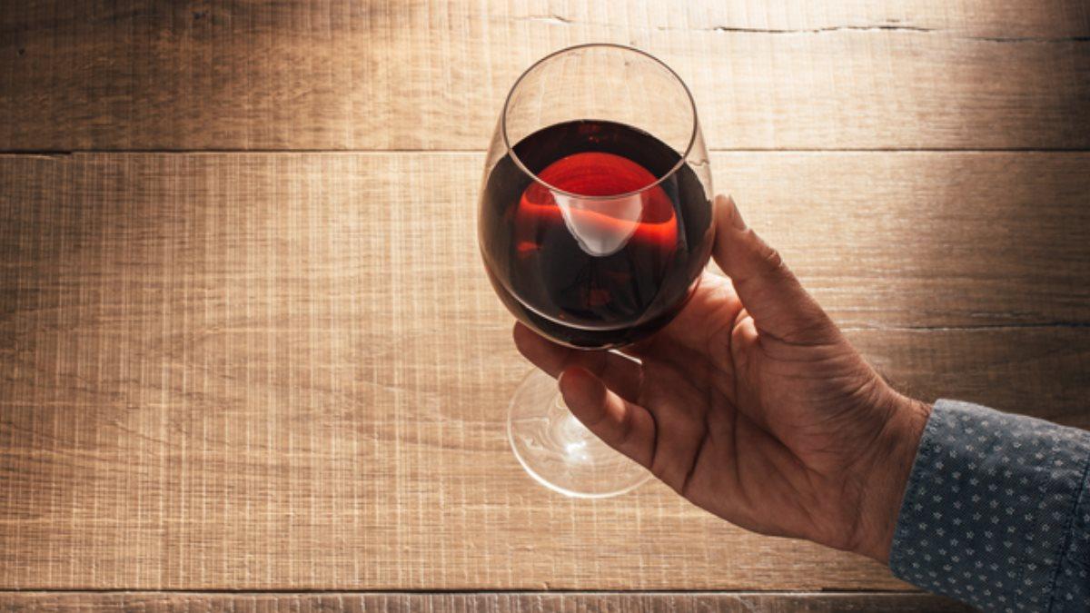 Более дружелюбны к алкоголю: в каких странах пожилые люди пьют чаще — фото 1