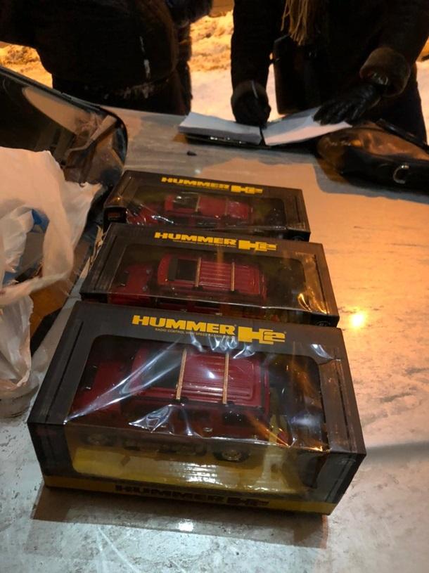 В Киев возили кокаин в детских игрушках — фото 1