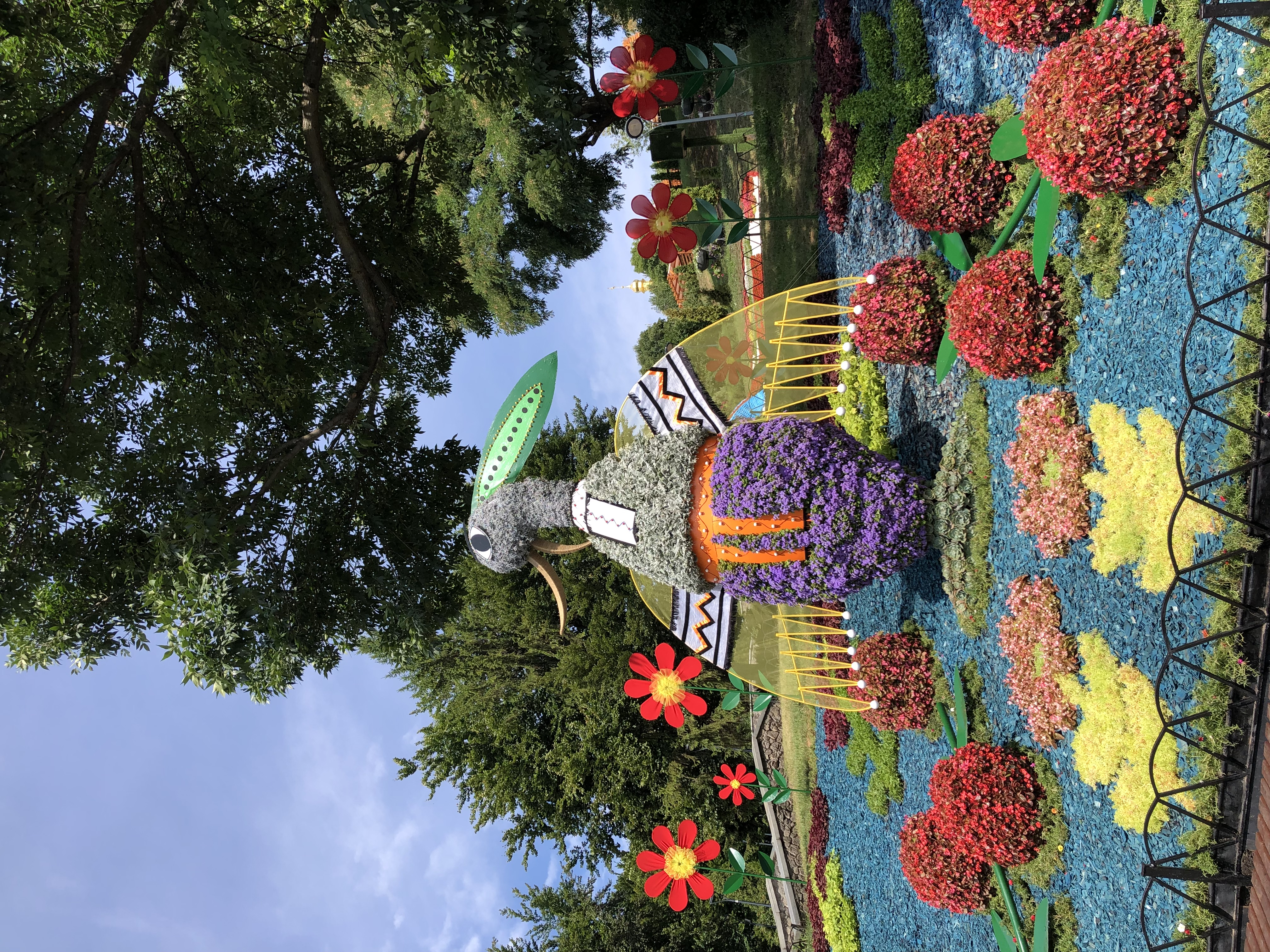 """Выставка цветов """"Во Вселенной Марии Примаченко"""", открылась на Спивочем — фото 2"""
