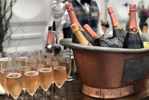Время открывать шампанское — фото 1