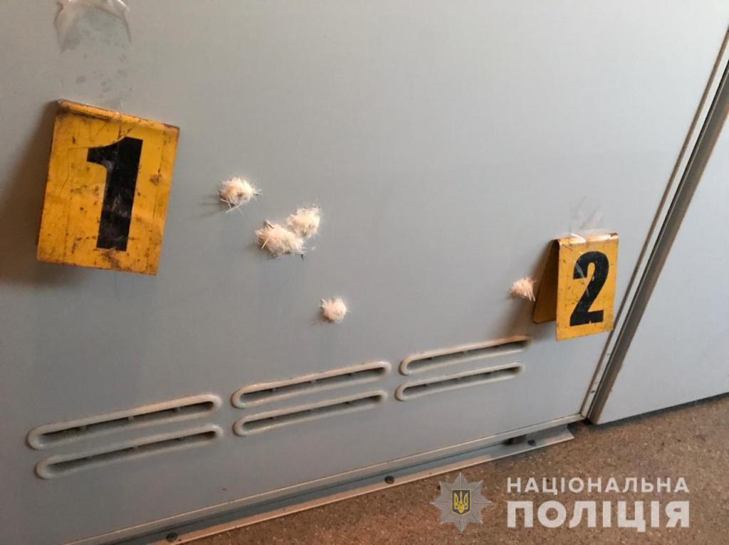 Військові відкрили вогонь в потязі Київ-Костянтинівка - ФОТО — фото 1