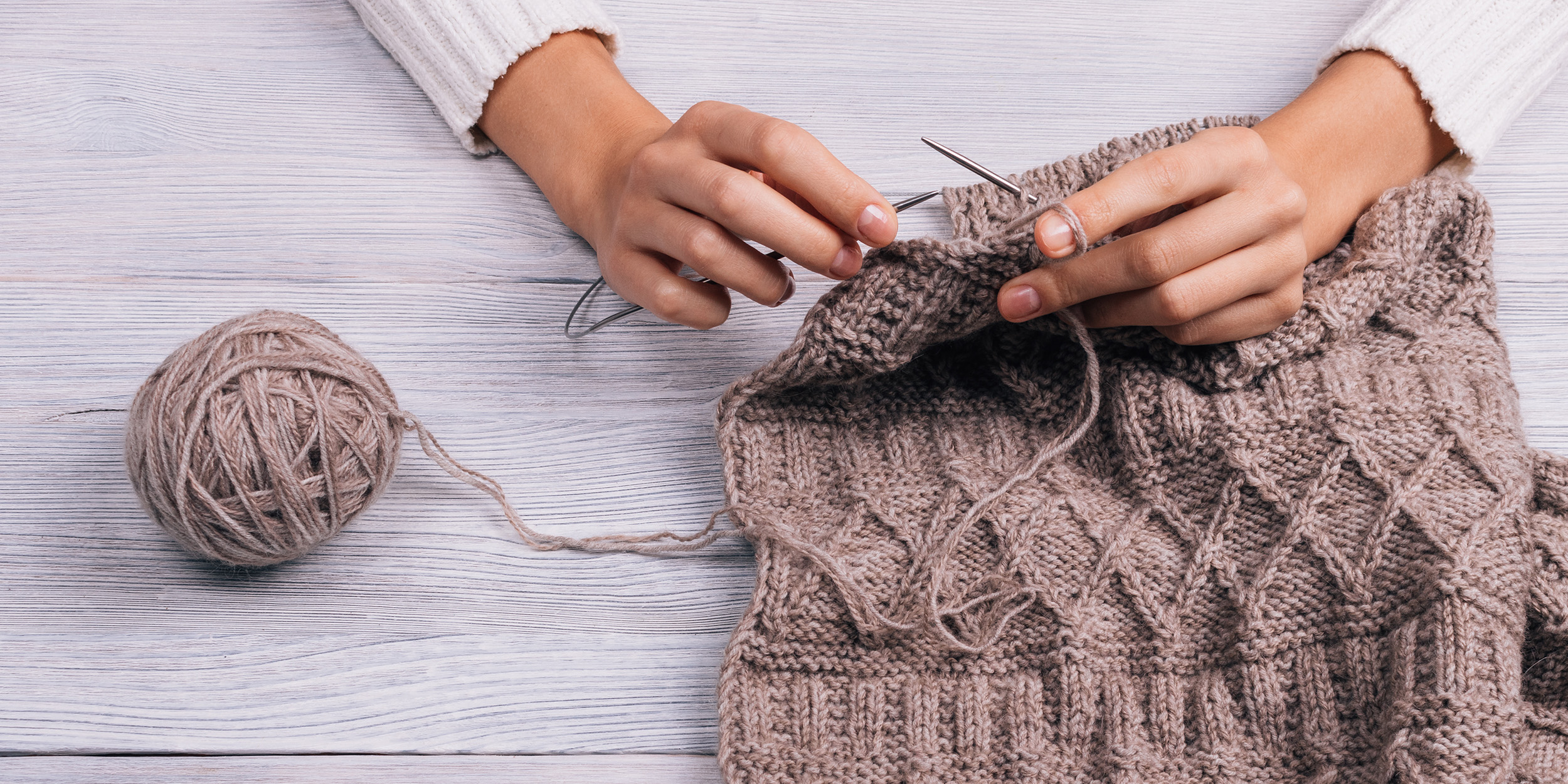 Не просто увлечение: ученые определили пользу вязания — фото 1
